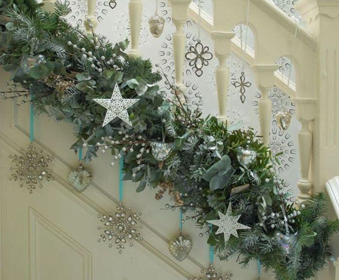 украшение лестницы новогоднее
