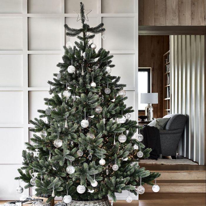 стильная новогодняя елка